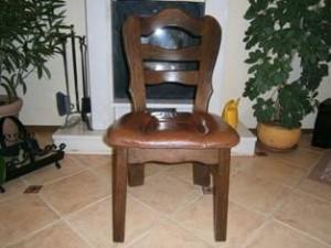 Ik ben op zoek naar deze twee stukken van de stoel