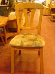 1510.Kárpitos szék.