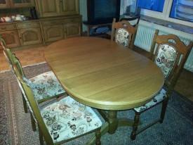 60229. Tölgyfa kicsi ovális asztal.