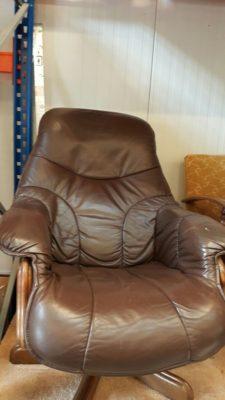 S80372. Bőr forgó fotel.