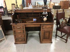 E90333. Rolós zárható íróasztal.