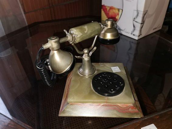 Retro márvány telefon