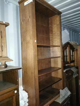 Nyitott, tömör fa könyvespolc