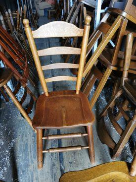 Fa székek.