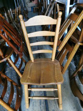 Fa ülőlapos szék.
