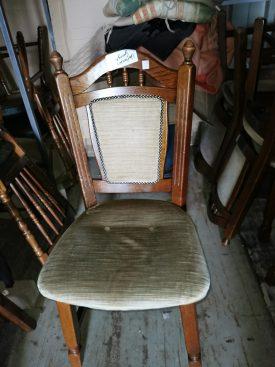 plüss huzatos fa szék