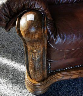 Rusztikus fa vázas holland bőr garnitúra.