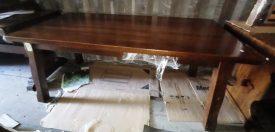 Tőmőr fa étkező asztal.
