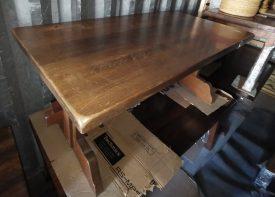 Rusztikus fa étkező asztal